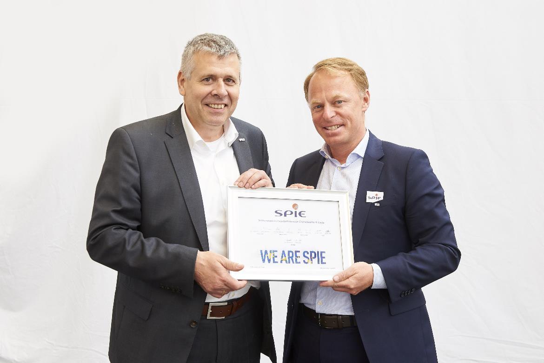Peter Pfannenstiel (Leiter Geschäftsbereich CityNetworks & Grids) und Gerald Edler (Leiter Region Österreich im Geschäftsbereich CityNetworks & Grids) - Bildnachweis SPIE