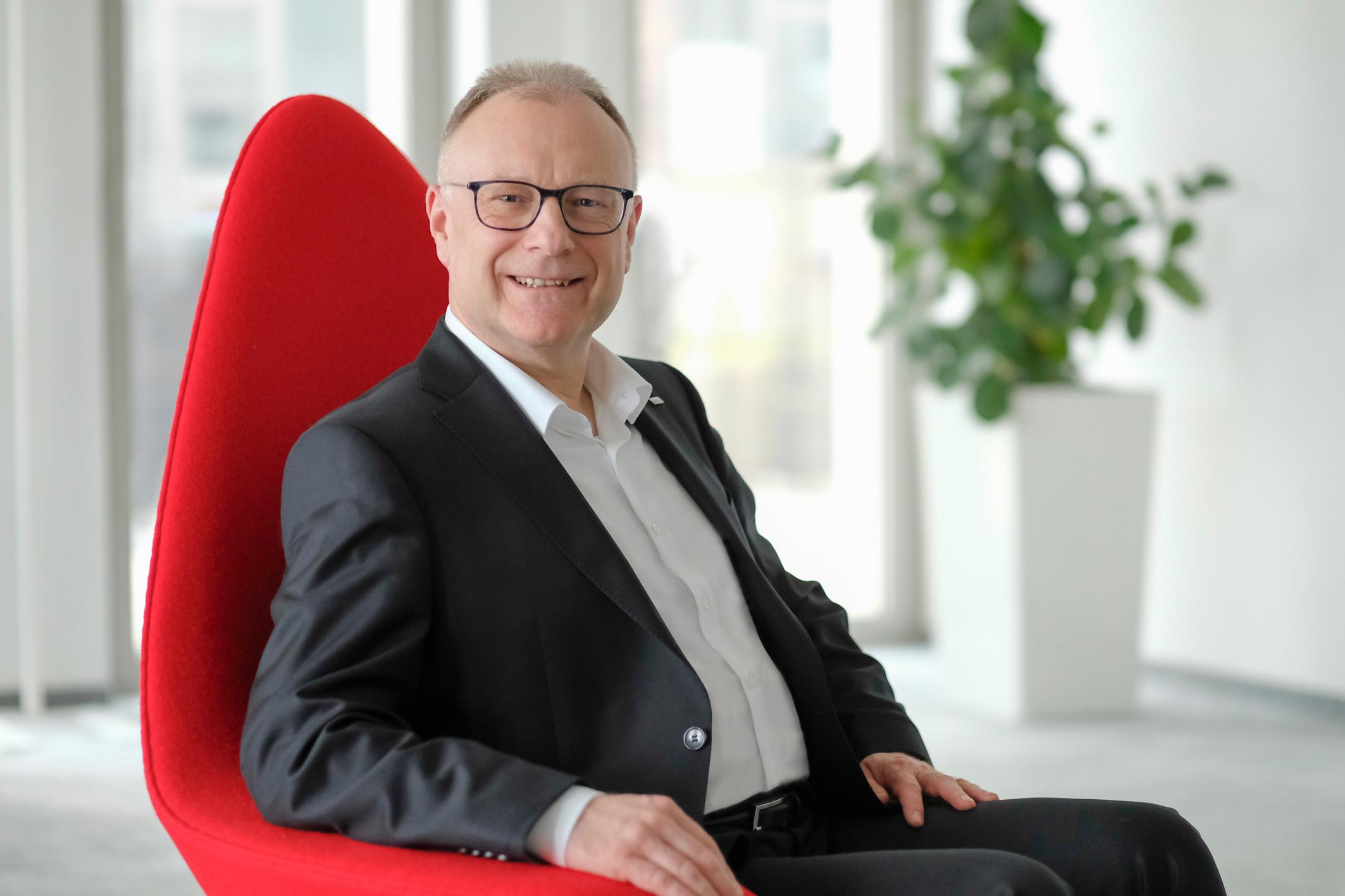 Michael Hartung, Leiter Geschäftsbereich Information & Communication Services