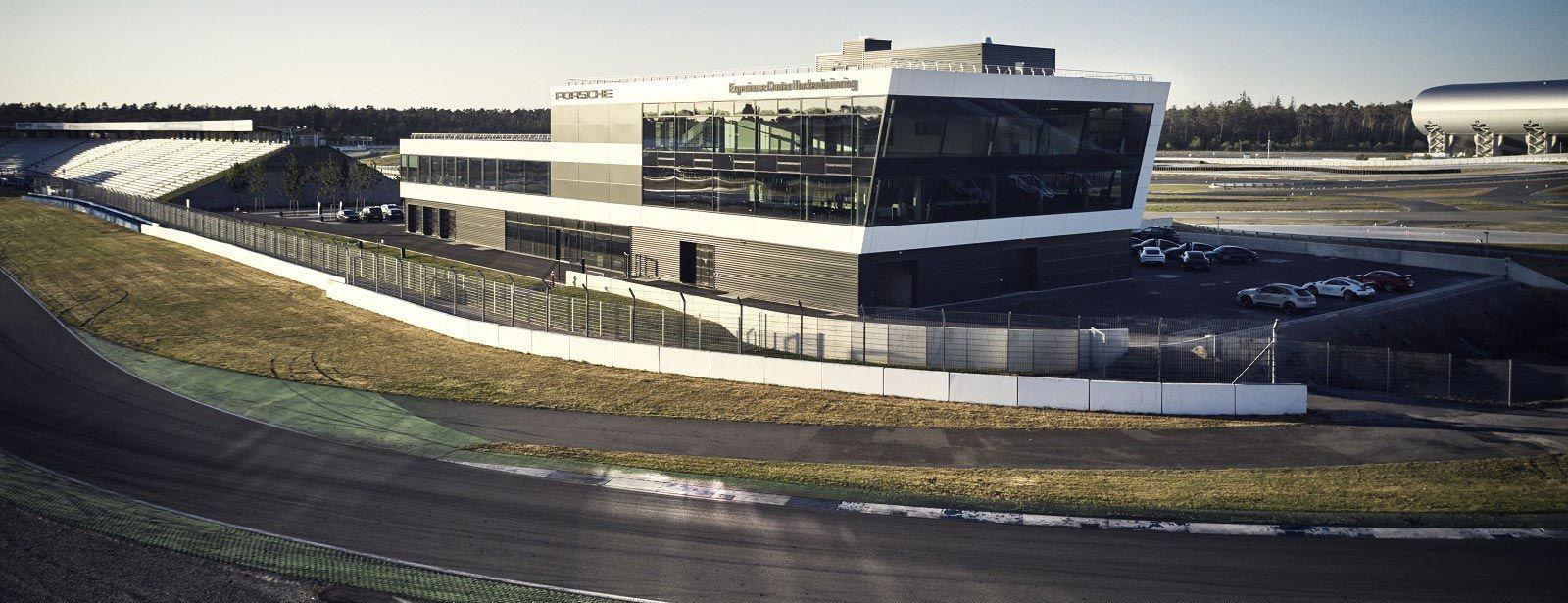 Porsche Experience Center_Copyright Porsche Deutschland GmbH.php