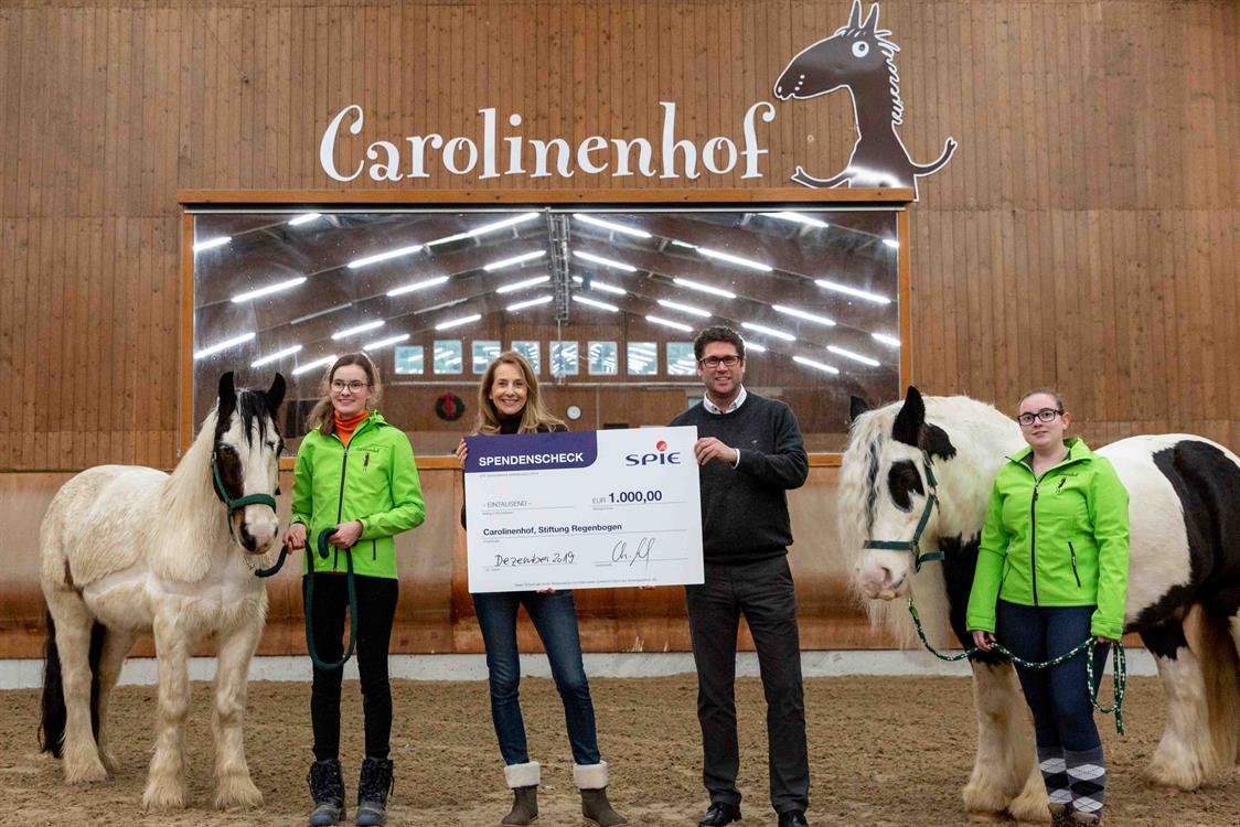 Spendenübergabe Carolinenhof - Bildnachweis SPIE
